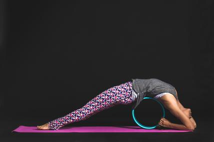 yoga-backbend-wheel_x285